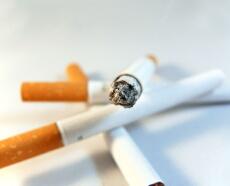 たばこ1本で寿命は14分短くなる 拡がる禁煙習慣 世界禁煙デー