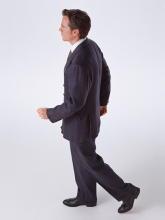 長時間座わると足の血管に悪影響 5分間のウォーキングで解消