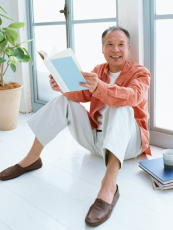 高齢者のヘルスリテラシーを向上する方法 社会参加や文化活動が効果的