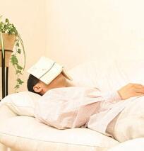 良質な睡眠を得るための対策「寝室にスマートフォンを持ち込まない」