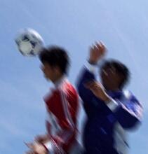 サッカーは高齢者にも勧められる 週2回のサッカーで身体機能が改善