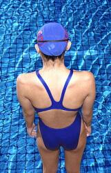 運動して高血圧を改善 水中エアロビクスがお勧め