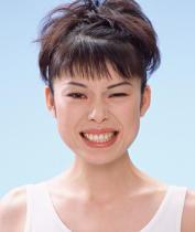 がんリスクを高める舌表面の白い汚れ 清掃すれば予防できる可能性