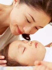 母乳で育った子どもは肥満になりにい 小児の知能発達にも影響