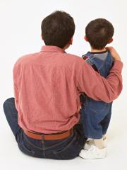父親になった男性は肥満になりやすい 子育てと健康増進の両立が課題