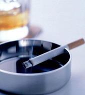 禁煙治療が「胃食道逆流症」に有効 禁煙に成功すると症状が43%改善
