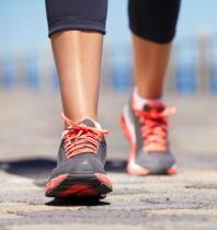 歩行時間が30分未満だと糖尿病リスクが上昇 運動不足はリスク