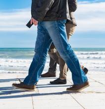 男性の骨粗しょう症を予防 ウォーキングや筋トレが骨を強くする