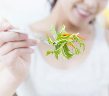 野菜や果物、魚の摂取量が少なく、食塩が多いと、死亡リスクは3倍に上昇 日本人を29年間調査