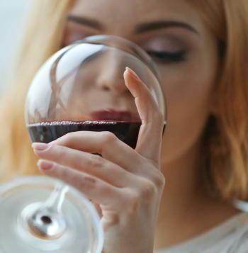 アルコールの飲み過ぎが「認知症」の原因に リスクが3倍以上に上昇