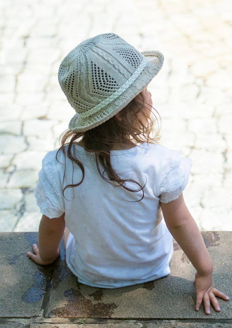 「炎天下で歩道を60分歩く」と子供は熱中症に 環境でリスクを評価