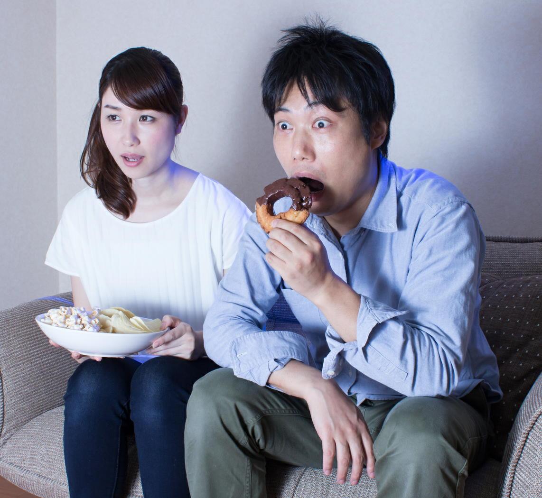 テレビの見過ぎでエコノミークラス症候群に 1日5時間未満でリスク1.7倍