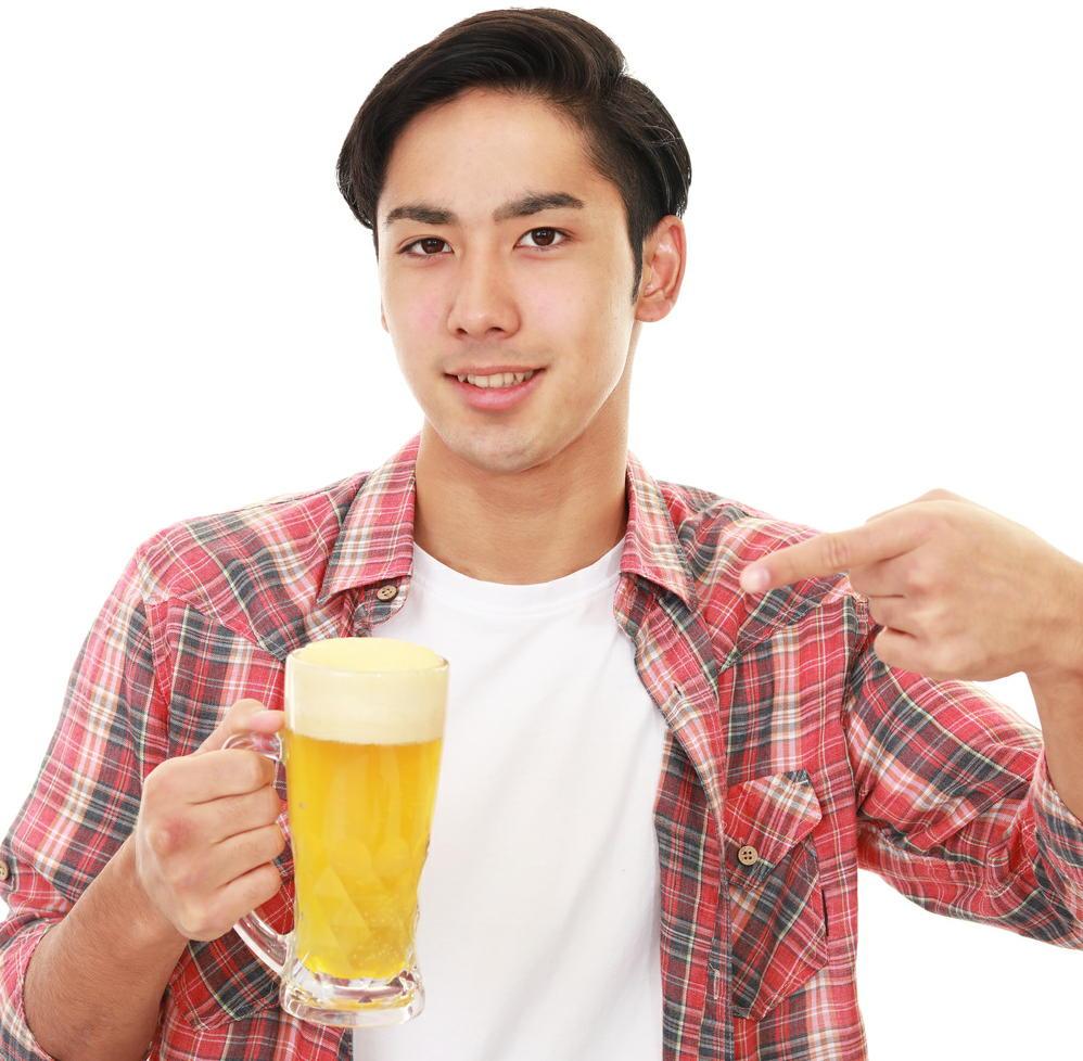 お酒を飲む人はウォーキングをしよう 飲酒のリスクを運動で帳消しに