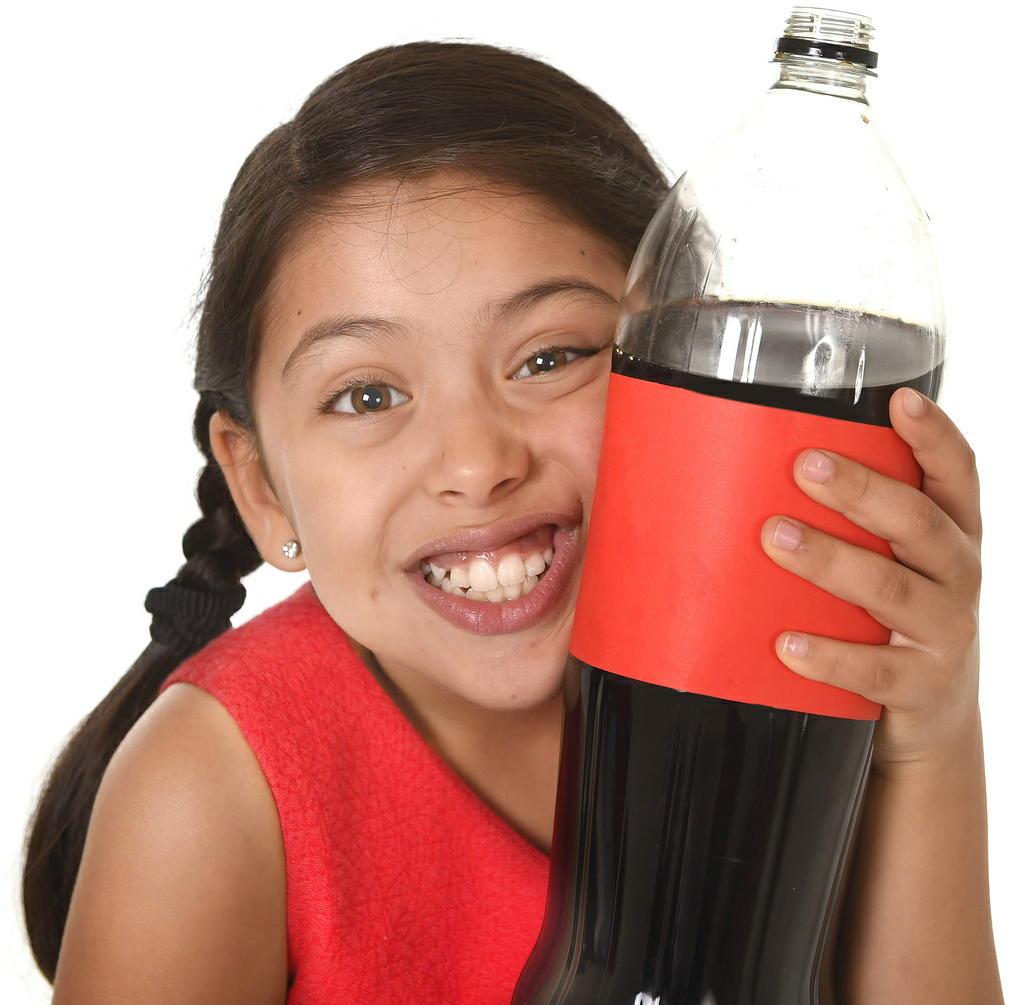 「高カロリー飲料」の飲み過ぎでがんリスクが上昇 100ミリリットル増えると乳がんリスクは22%増加