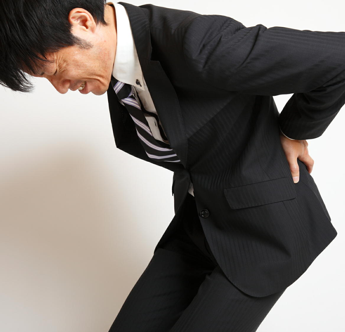 慢性腰痛患者の3人に1人が「仕事を辞めたい」 痛みが生活の質を低下