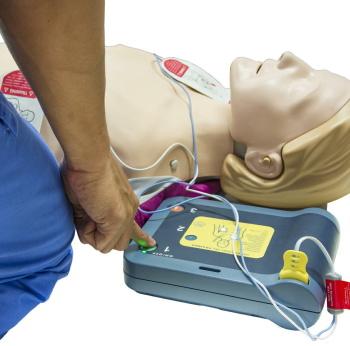 AEDによる救命活動は8年間で30倍に増加 救われた命は800人以上