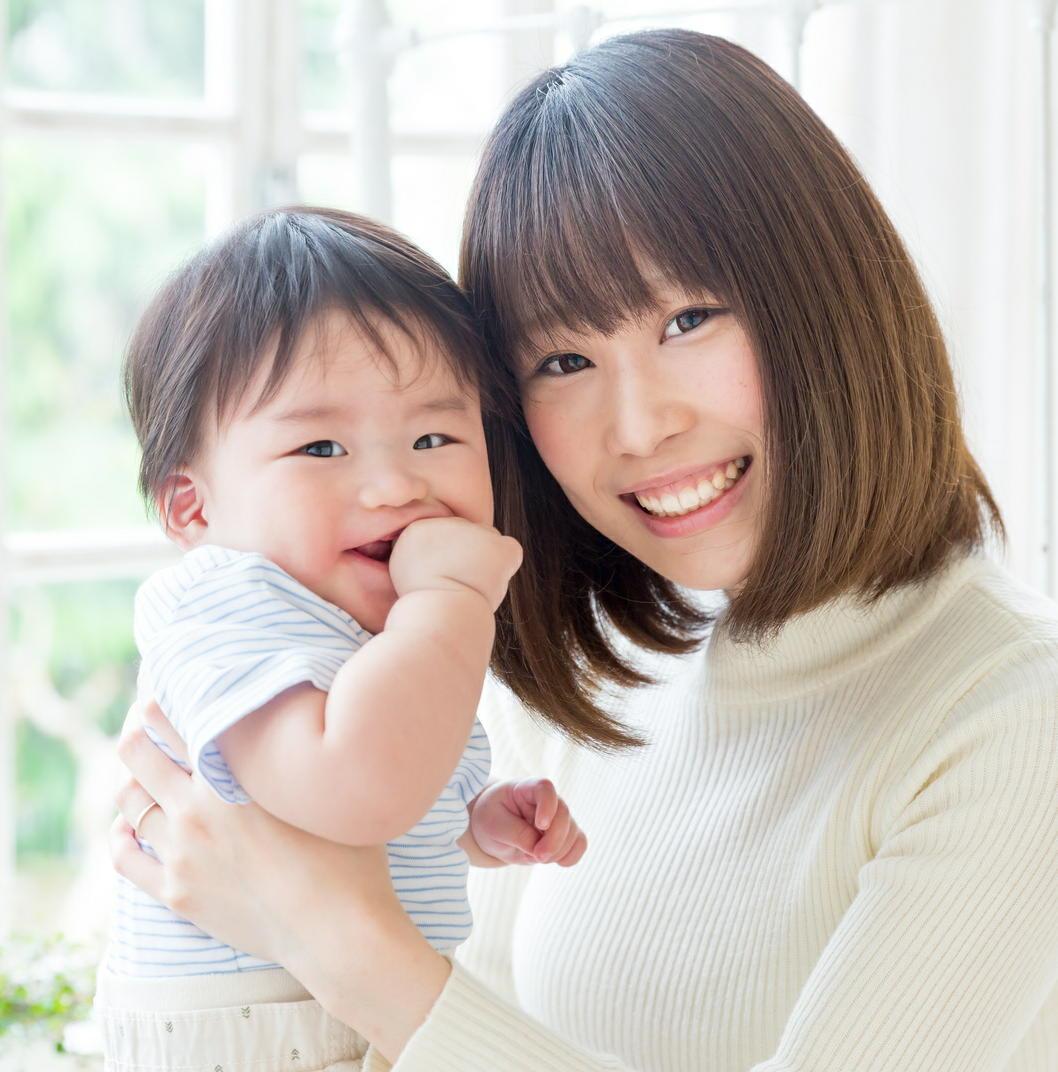 乳児には大人との身体接触が必要 社会的な絆を強め脳の発達に影響