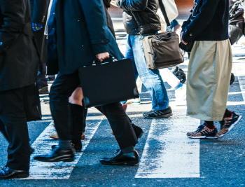 働き方改革 「長時間労働」が脳卒中のリスクを上昇させる 産業医の7割が「改善を感じる」と回答