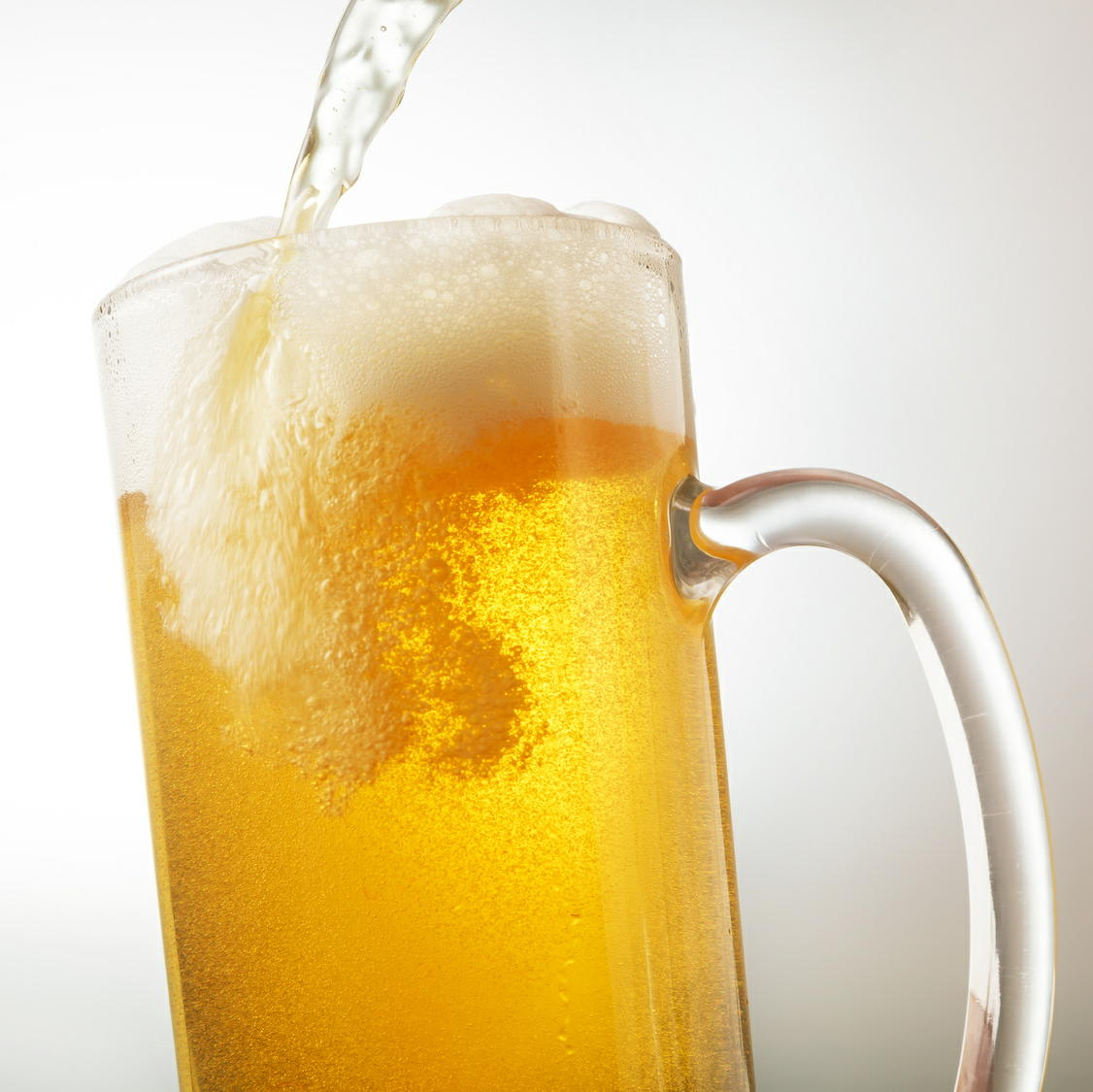 適量のアルコールでも脳には悪影響が 海馬の萎縮リスクが3倍以上に