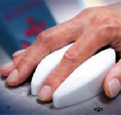 採血なしに血糖値を測定する技術を開発 最先端レーザー技術を応用