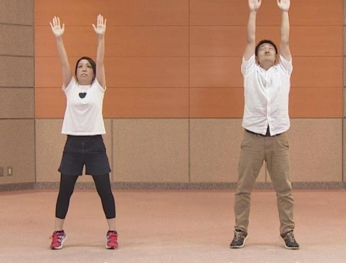 「ロコモ」予防のための運動「ACTIVE5」 3世代別の3分間エクササイズ