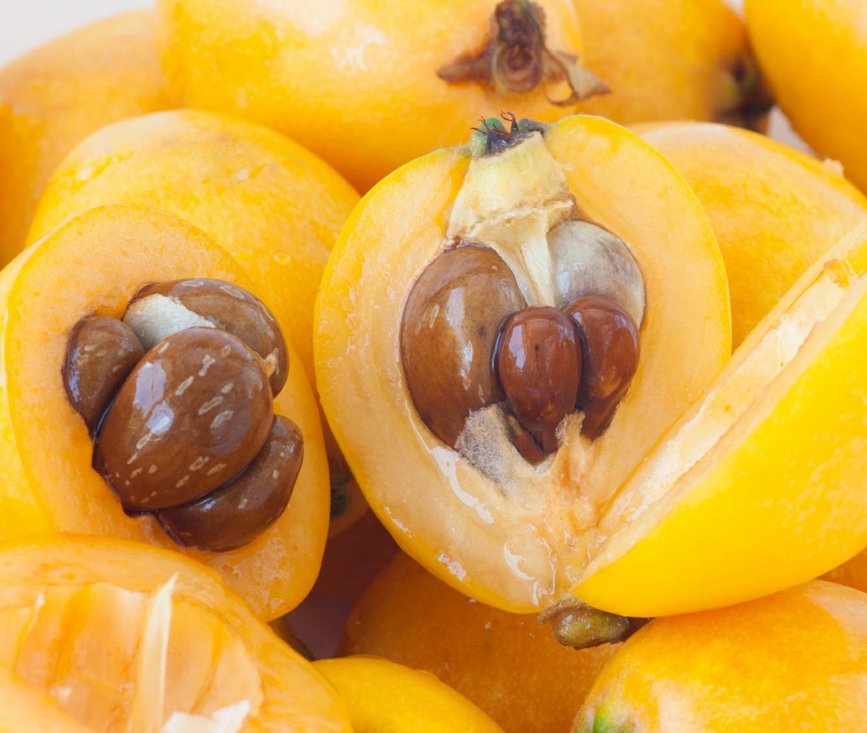 「ビワの種」に天然の有害物質 「食べないで」と農水省が注意喚起