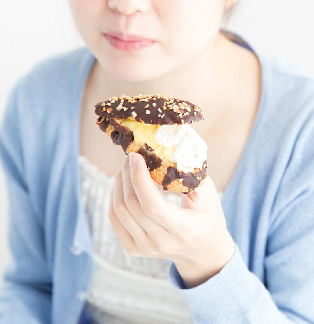 甘いものを食べるなら日中の活動時間を選ぶとメタボになりにくい