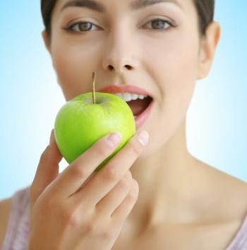 「低糖質 vs 低脂肪」どちらのダイエットが優れている? 議論に決着
