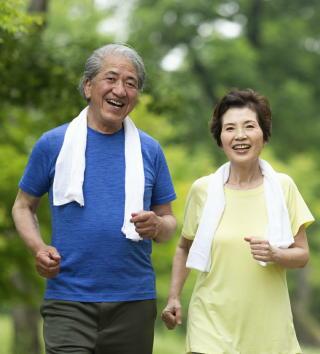 「生きがい」が65歳以上の働く人の健康効果を高める 「金銭目的」のみだと健康感と生活機能が悪化