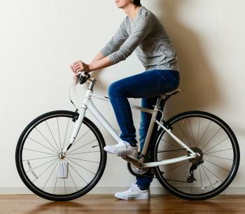 転倒経験がある高齢者は、自転車での転倒発生率も高い 肥満も転倒の要因に