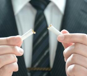 スマホで「禁煙アプリ」を使うと禁煙の成功率が高まる 医師が処方するアプリの有効性を実証