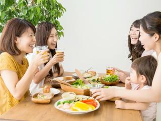 【新型コロナ】「飲み会」での集団感染を防ぐために何をすれば良い? 国立感染研が具体策