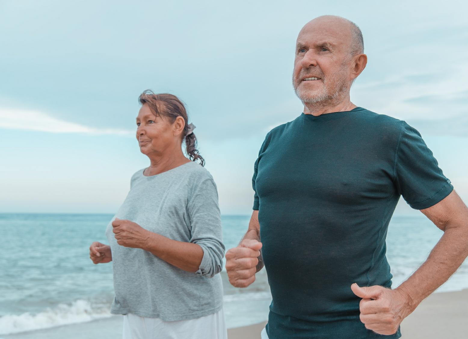 認知症リスクは糖尿病予備群の段階で上昇 体と心を活発に動かして予防