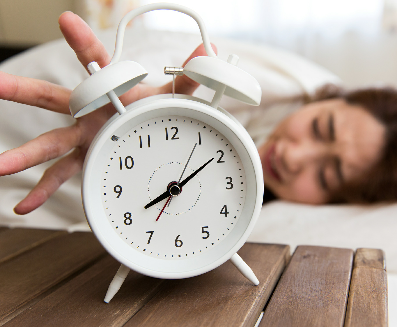 「睡眠負債」は週末の寝だめでは解消できない 睡眠を改善するための6ヵ条