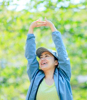 緑豊かな公園でウォーキング たった20分でもメンタルヘルスに良い効果が 主観的幸福度が向上