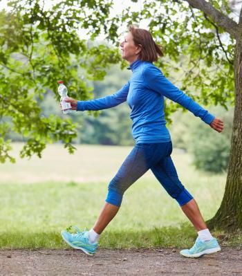 毎日の歩数が多いほど死亡リスクは低下 1日の歩数を1000歩増やすだけでも効果