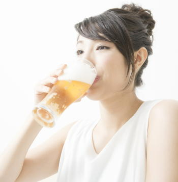 女性が多量飲酒をすると乳がんリスクが1.7倍に上昇 女性ホルモンが影響か 日本人女性16万人対象の大規模調査