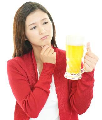 【新型コロナ】コロナ禍でアルコール関連疾患の入院が増加 自粛期間中の飲酒に注意