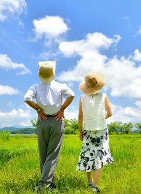 高齢者はなぜ自宅で熱中症に? 体感以上に暑さを感じる機能が低下 数日間で少しずつ脱水症状に