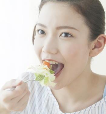 【新型コロナ】感染対策の食事は「野菜を食べる」「加工肉は控えめ」「コーヒーを飲む」 運動不足は肥満よりも深刻