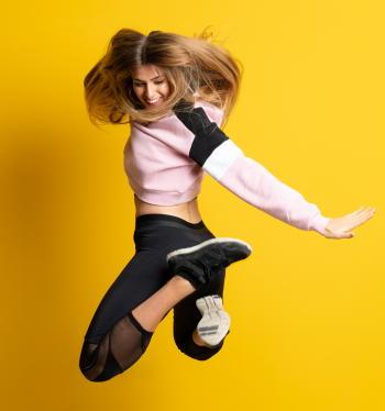 ダンスが女性の更年期障害を軽減 「ダンスセラピー」がフィットネスと体組成を改善し自己効力感も向上