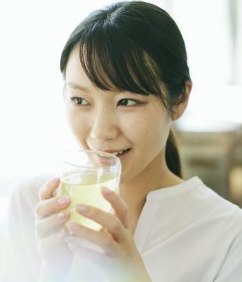 ミカンなど柑橘類のポリフェノールが、緑茶カテキンの抗肥満作用を強める 食品の機能的な組み合わせ